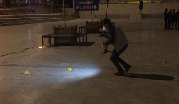 Topçu meydanında kadına silahlı saldırı