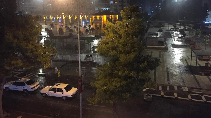 Şanlıurfa'yı serinleten yağmur