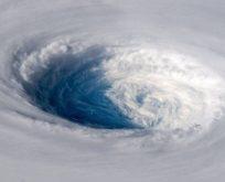 'Süper tayfun' uzaydan görüntülendi
