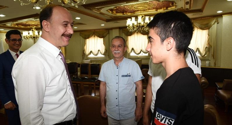Şampiyon taekvandocu Türkiye'yi temsil edecek