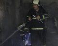 Annesinin evini benzin döküp yaktı