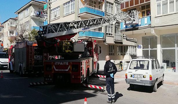Kayseri'de 4 katlı binayı birbirine kattılar