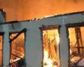 Tarihi Müftülük binası yanarak kül oldu