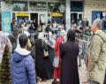 Yardım parasının dağıtıldığını duyan vatandaş PTT Şubelerine akın etti