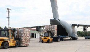 Askeri kargo uçakları 18 ülkeye tıbbi malzeme yardımı ulaştırdı