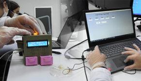 Öğrenciler 5 dakikada Covid-19 test cihazı geliştirdi