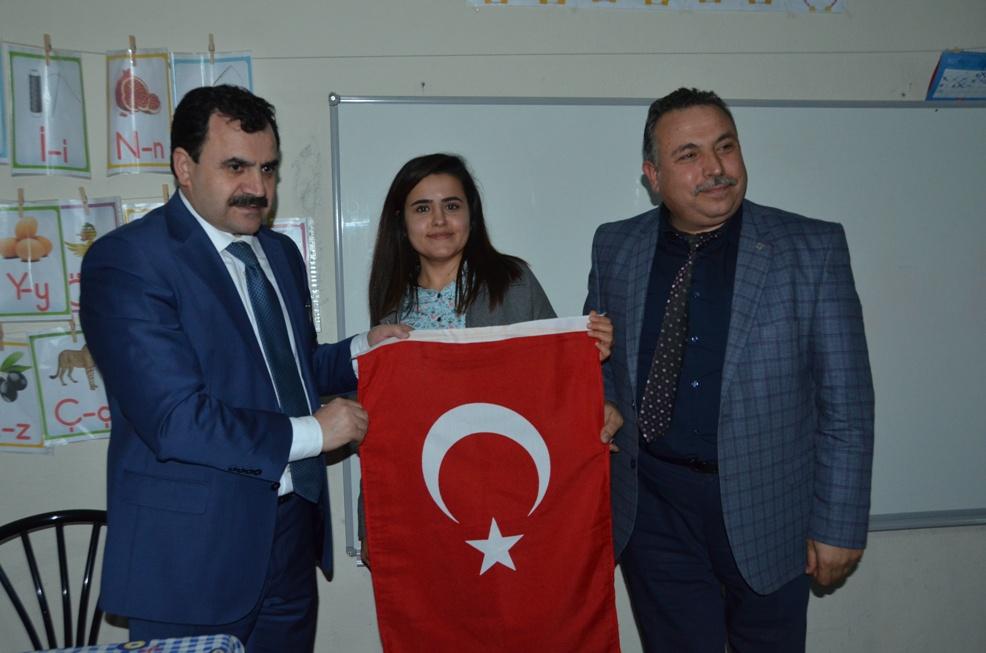 Şanlıurfa İl Milli Eğitim Müdürü Şerafettin Turan Siverek'te Köy okulunu Ziyaret etti