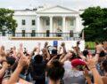 Beyaz Saray'a yürüyüş şiddeti artırdı