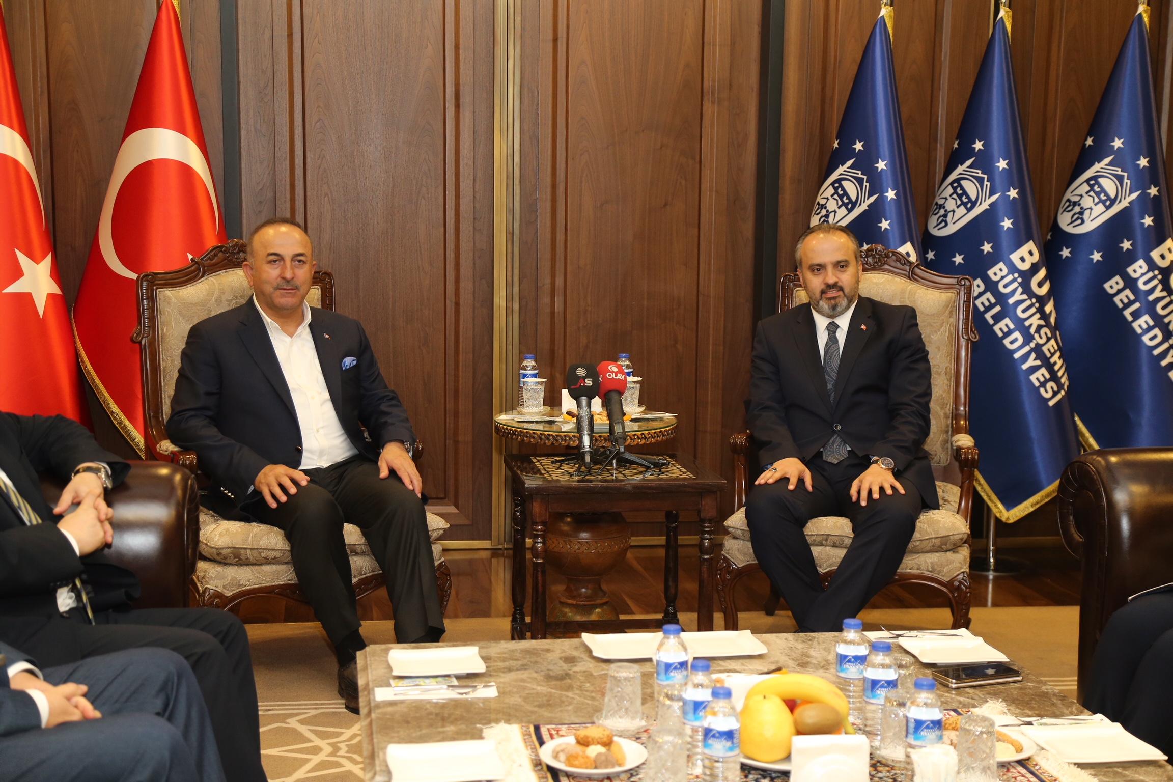 Bakan Çavuşoğlu'ndan Bursa'ya övgü
