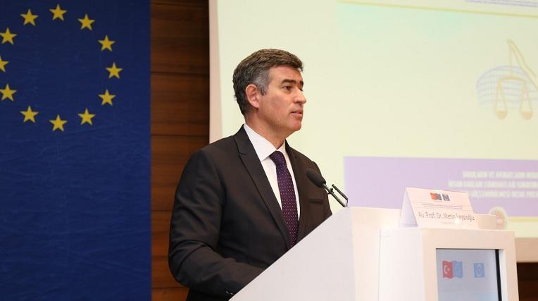 İnsan Hakları Günün'de TBB Onur Ödülü Tahir Elçi'ye