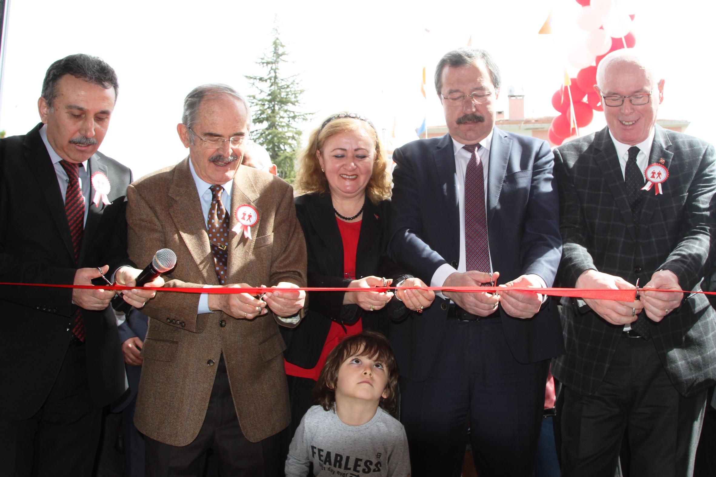 Büyükerşen Yenikent Kooperatifinin yeni tesislerini açtı
