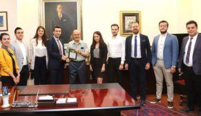Genç avukatlardan Büyükerşen'e ziyaret
