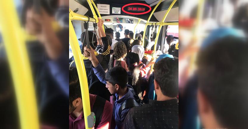 Belediye otobüslerinde balık istifinde yolculuk