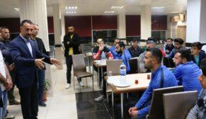 Yılmaz, Futbol Takımı Yönetimi  ve futbolcuları ile bir araya geldi