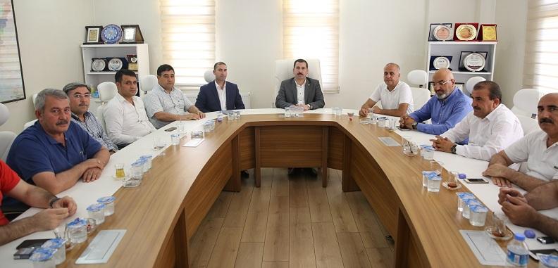 Karaköprü belediyespor yönetiminden başkan baydilli'ye ziyaret