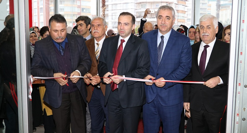 Karaköprü'de emek ve sanat sergisi açıldı
