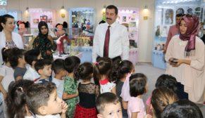 Çocuklar en mutlu gününü oyuncak müzesinde geçirdi