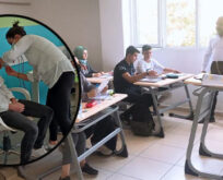Şanlıurfa'da aşı uygulaması okullarda devam ediyor