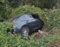 Otomobil bahçeye uçtu