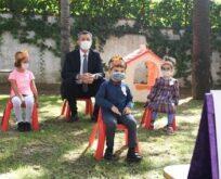 Bakan Selçuk, öğrencilerin okul heyecanına ortak oldu