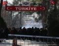 Yunanistan'dan jiletli tel barikatı
