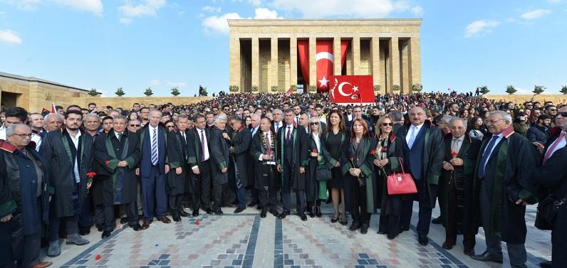 10 Kasım'da Avukatlar Adalet paydasında birleşti