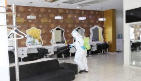 Berber ve güzellik salonları dezenfekte ediliyor