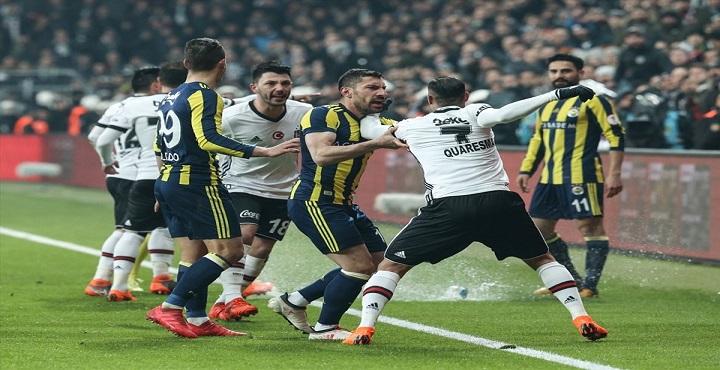 Beşiktaş-Fenerbahçe derbisinde 4 gol, 3 kırmızı kart