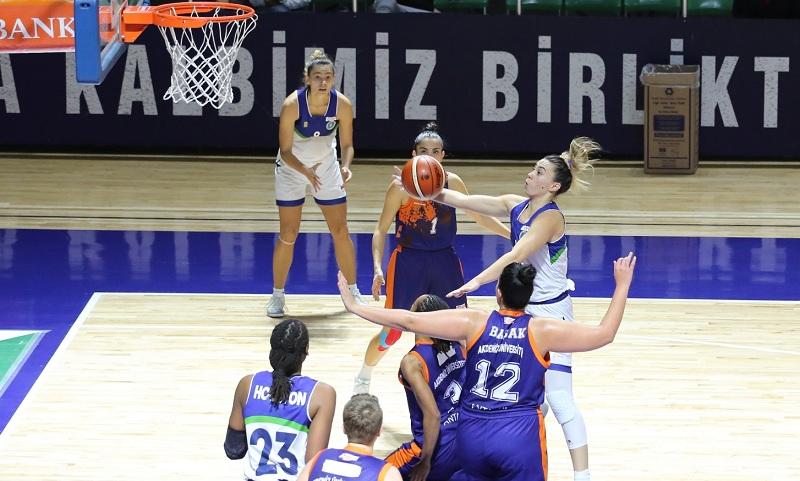 Bursa Perileri İstanbul'da rahat kazandı