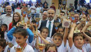 'Okul Sporları'nda ödül heyecanı