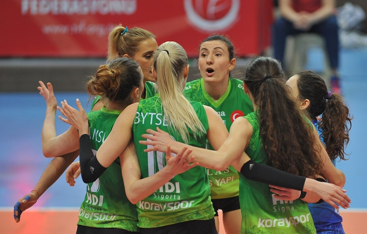 Bursa Büyükşehir yarı finalde