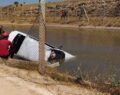 Şanlıurfa'da sulama kanalına devrilen araçtaki cesetler çıkartıldı
