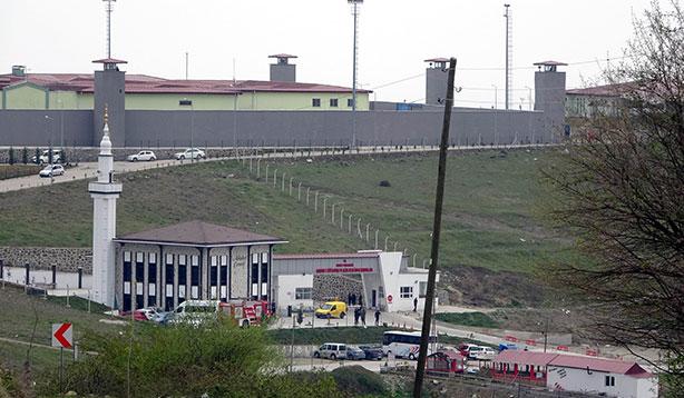 Şanlıurfa'da bin 369 mahkum izne çıkarıldı
