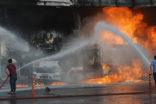 Yakıt istasyonu yandı, vatandaşlar büyük bir korku yaşadı