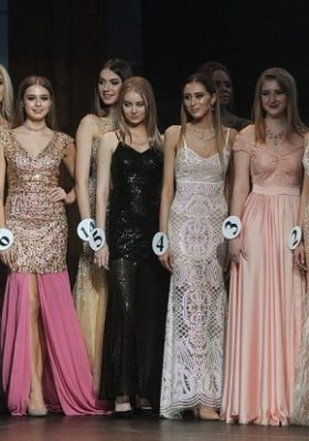 Rusya'nın en güzel modelleri, Moskova'da boy gösterdi