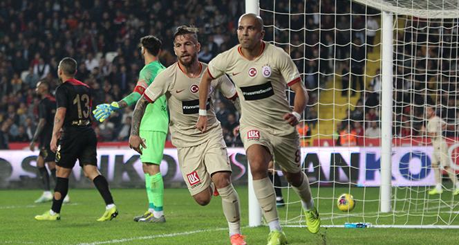 Zorlu karşılaşmada gülen taraf Galatasaray oldu