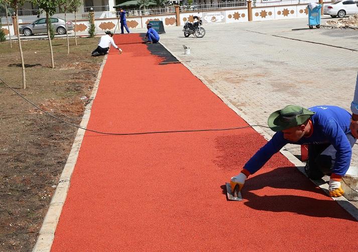 Haliliye Belediyesinden park yapım ve onarım çalışmaları