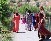 Halfeti'de turizm sezonu defileyle açıldı