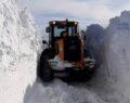 O ilde kar kalınlığı iş makinesinin boyunu aştı