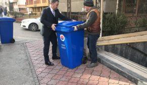 Karabük Belediyesi'nden her apartman sitesinin önüne bir çöp kovası