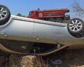 Tekeri patlayan araç takla attı