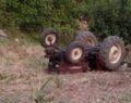Yaşlı adam traktörün altında kaldı