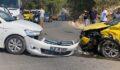 Taksi ile otomobil kafa kafaya çarpıştı: 6 yaralı