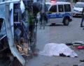 İşçi servisi devrildi: 2 ölü, 23 yaralı