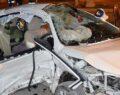 İki otomobil çarpıştı: 3 ölü, 4 yaralı