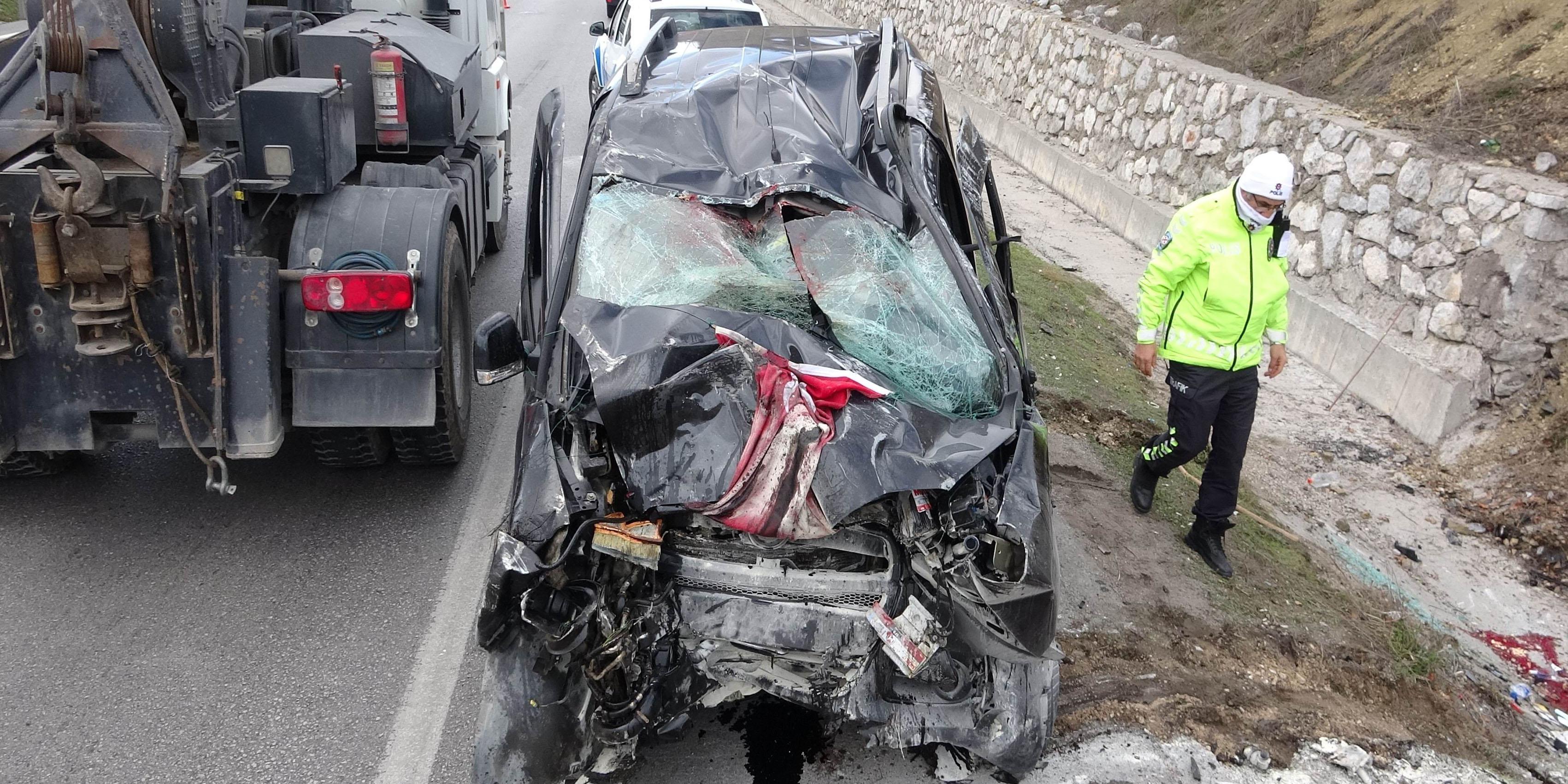 Feci kazada aynı aileden 3 kişi hayatını kaybetti