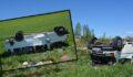 Mevsimlik işçilerini taşıyan minibüs kaza yaptı