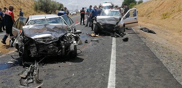 Korkunç kaza: 3 ölü, 3 yaralı
