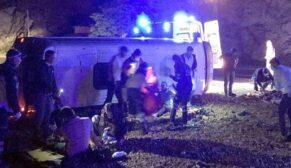 İşçi minibüsü kaza yaptı