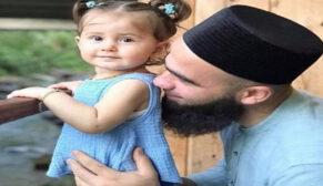 İki yaşındaki kızını arabayla ezdi